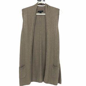 Banana Republic tan linen vest cardigan pockets